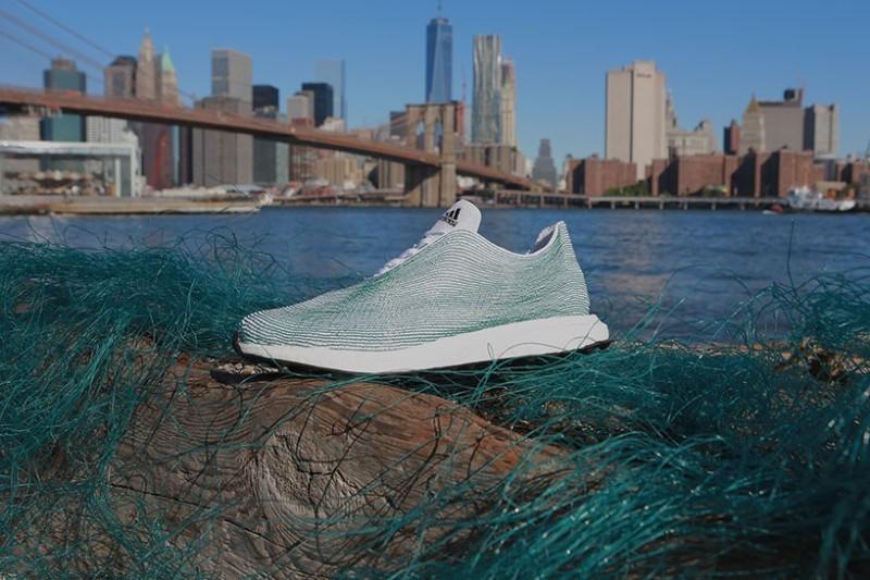 adidas-parley-plastic-shoe-concept-designboom-05-818x545