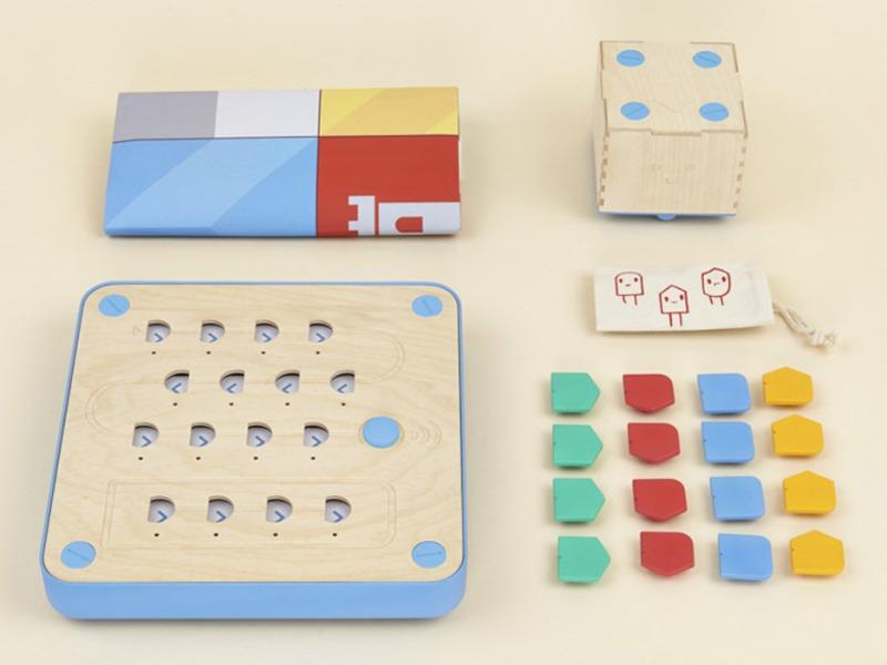 cubetto-randi-zuckerberg-primo-toys-children_dezeen_936_1