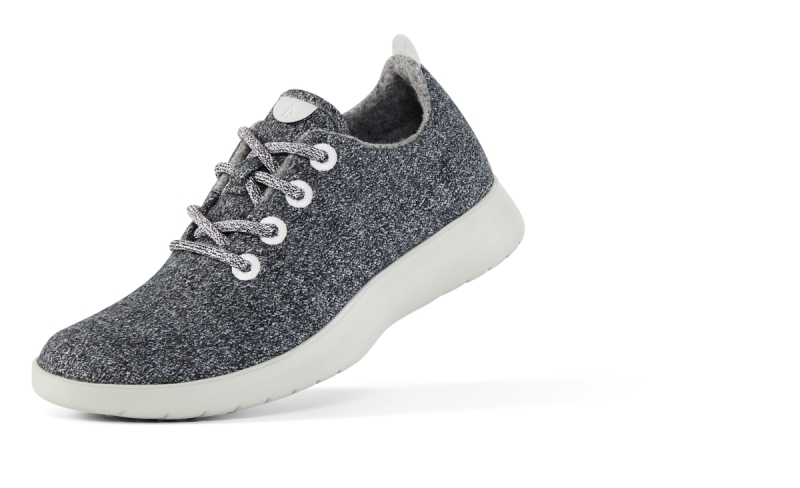 Allbirds_Womens_Wool_Runner_Charcoal_Left_Front_Angle_0099